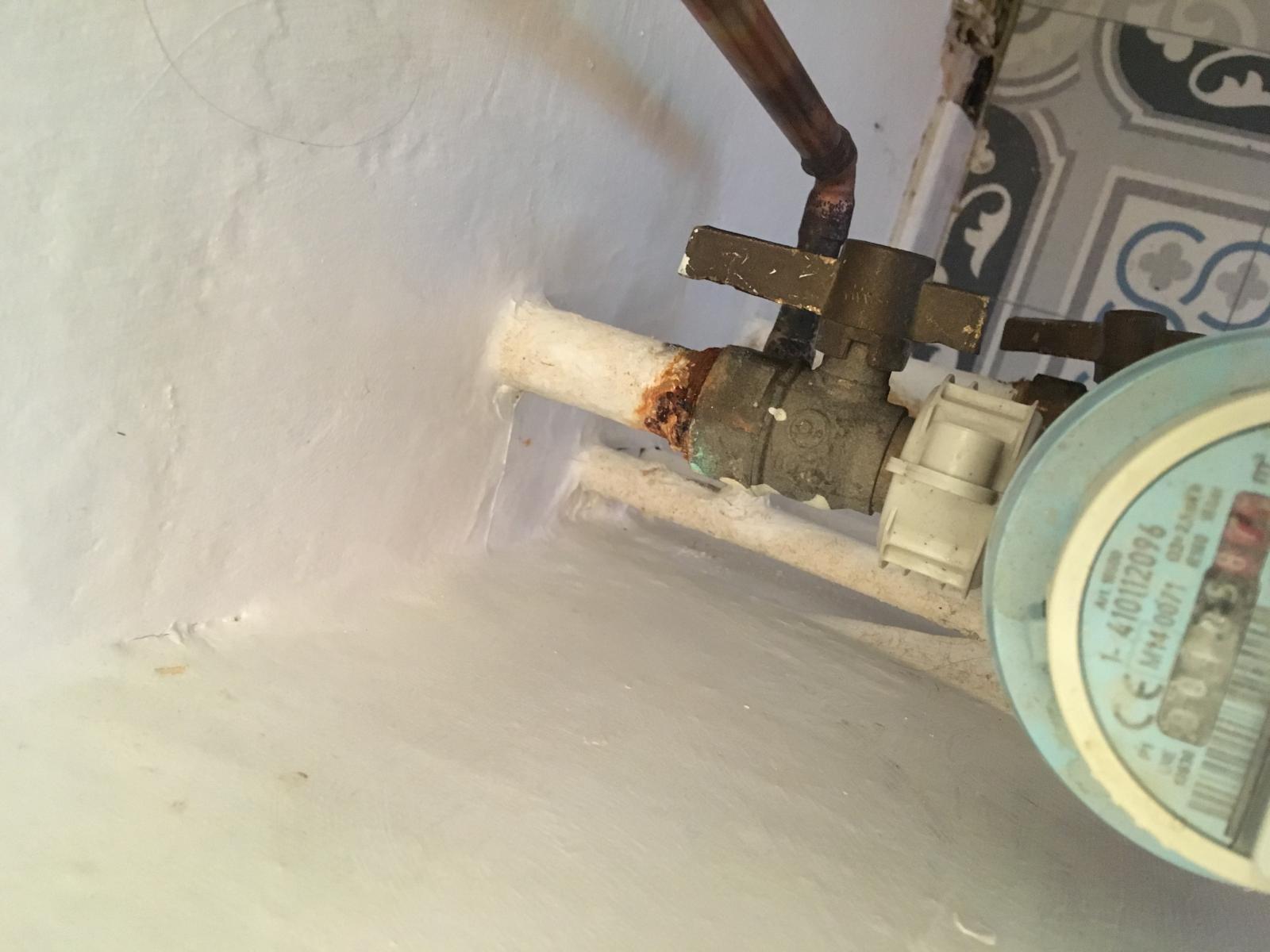 Réparation d'une colonne d'eau piqué par la rouille?